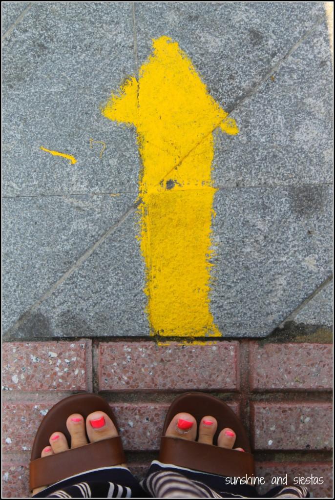 Camino de Santiago in Muros de Nalón yellow arrow