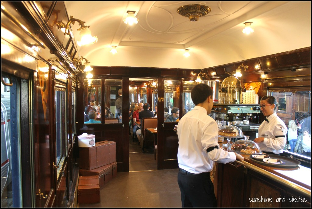 mercado-de-motores-cafe-on-a-train