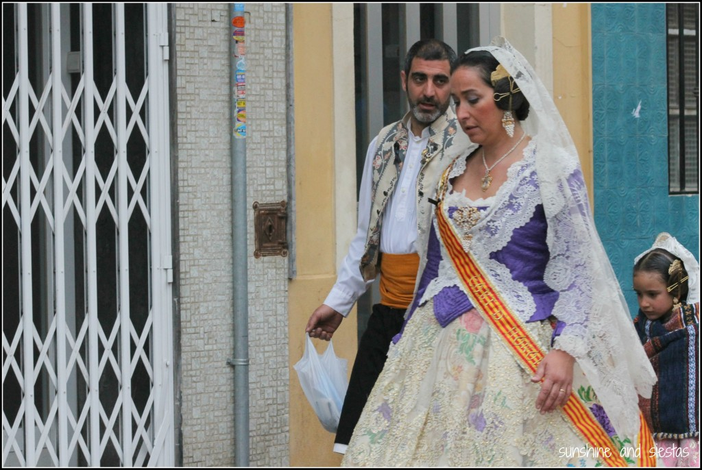 typical costume in valencia