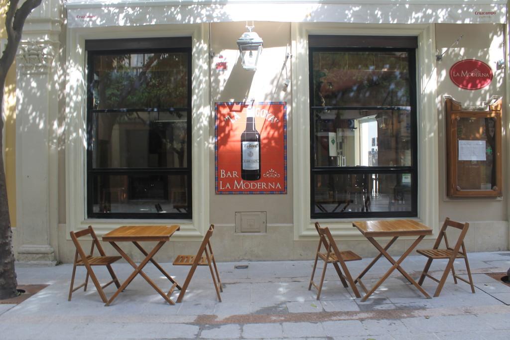 Empty bar on Mateos Gago Sevilla